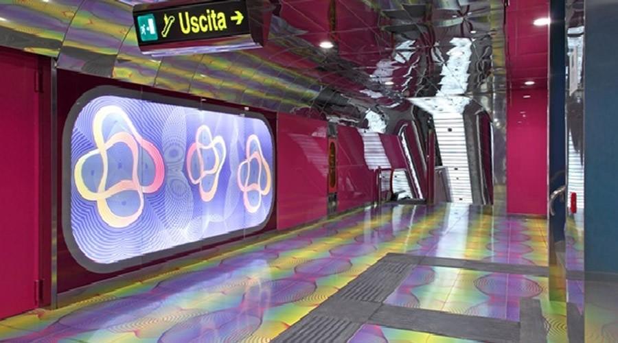 Metro Università a Napoli