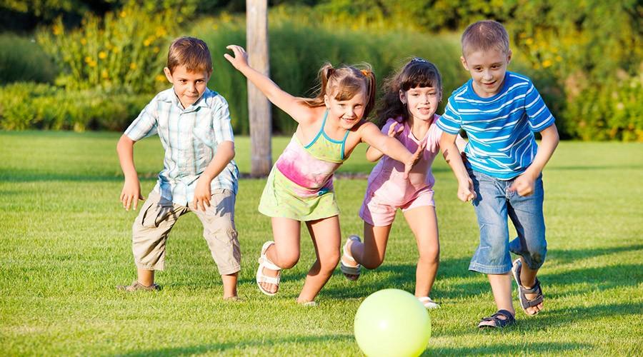 Bambini che giocano