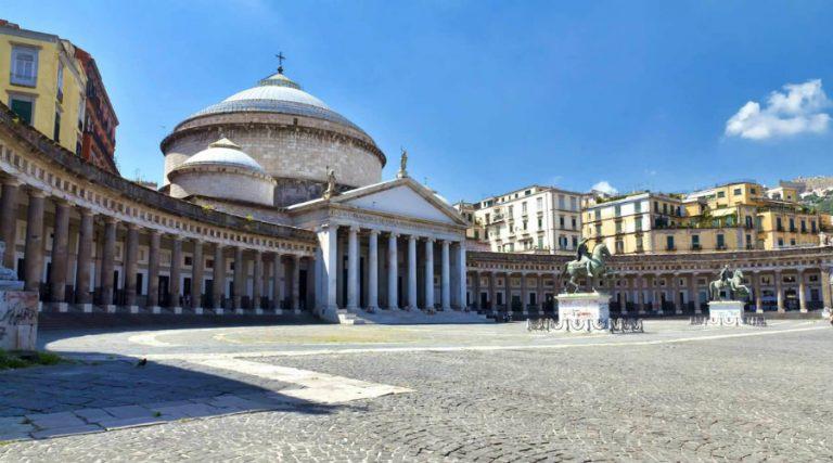 Piazza del Plebiscito, Neapel