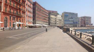Via Partenope a Napoli