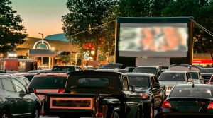 从车上开车,电影院