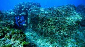 locandina di Snorkeling al Parco Sommerso di Gaiola a Napoli, escursioni tra archeologia e natura