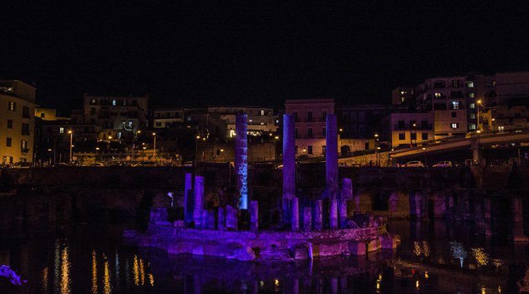 Lichter auf dem Tempel von Serapis
