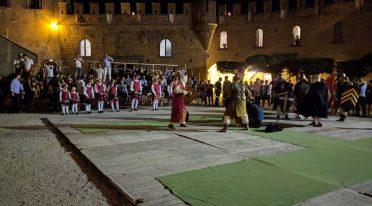 Rievocazione Lumina in Castro al Castello Lancellotti di Lauro