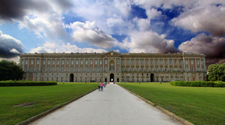 القصر الملكي في كازيرتا