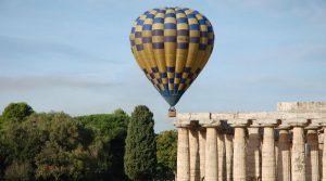 locandina di Festival delle Mongolfiere 2018 a Paestum: voli ed eventi per grandi e piccini
