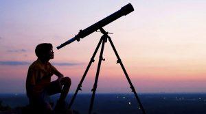 Plakat von Notte della Luna im Pietrarsa Museum mit Beobachtungen des Himmels