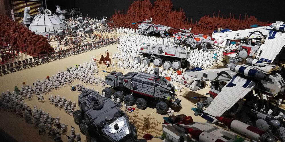 Montrer Brikmania Naples, stormtrooper au combat