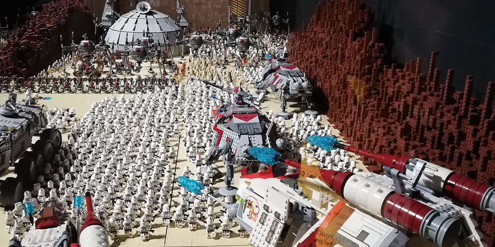 Mostrar Brikmania Nápoles, batalla Star Wars