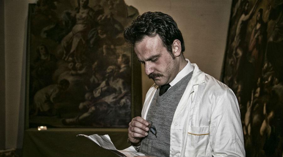 La visita guidata teatralizzata su Giuseppe Moscati alla Farmacia degli Incurabili di Napoli