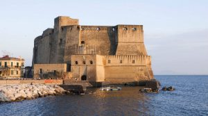 I De Filippo's poster, the craft on stage: at the Castel dell'Ovo in Naples the world premiere exhibition