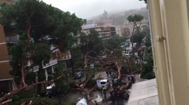damage of bad weather in Naples via terracina