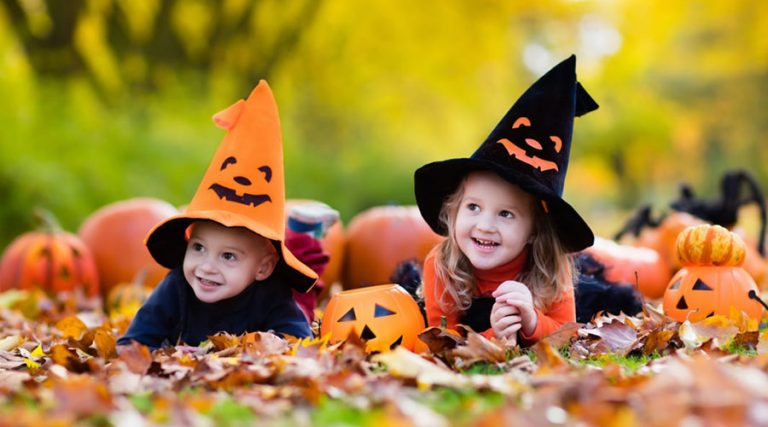 Children with Halloween costumes