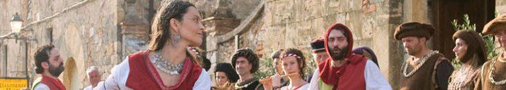 """في إعادة تمثيل Angri التاريخية والمرح مع """"ذات مرة كانت هناك قصة خرافية لبورجو"""""""