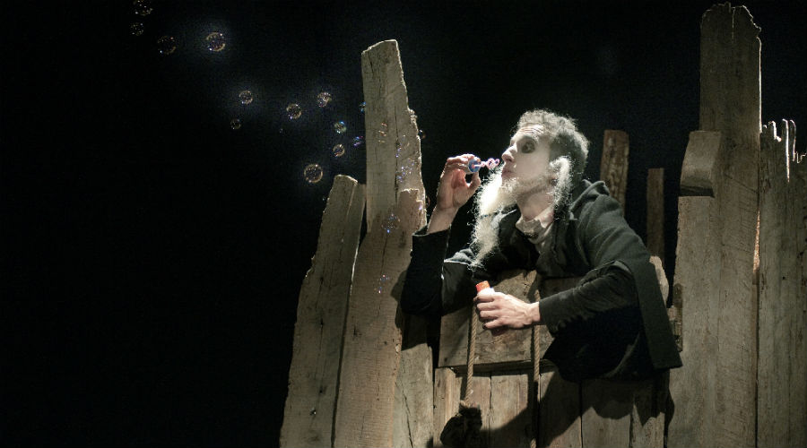 Amleto in scena al Nuovo Teatro Sanità di Napoli