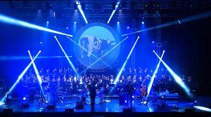 ملصق بينك فلويد ليجند في مسرح أوغستيو في نابولي ، مع عرض الجانب المظلم من القمر