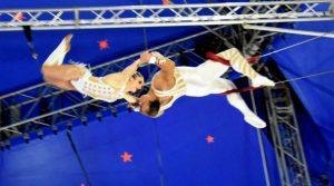 locandina di Circo Moira Orfei al Pareo Park di Napoli: tra clown, illusionismo e acrobazie