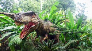 Affiche de dinosaures à Caserte avec le Living Dinosaurs Park: le plus grand parc jurassique d'Italie
