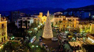 locandina di M'Illumino d'Inverno 2018/2019 a Sorrento per Natale fra concerti e spettacoli gratuiti