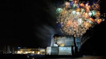 FOuchi d'artificio al Castel dell'Ovo a Napoli