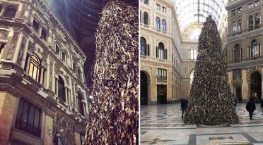 A Napoli l'albero di Natale Pyramid