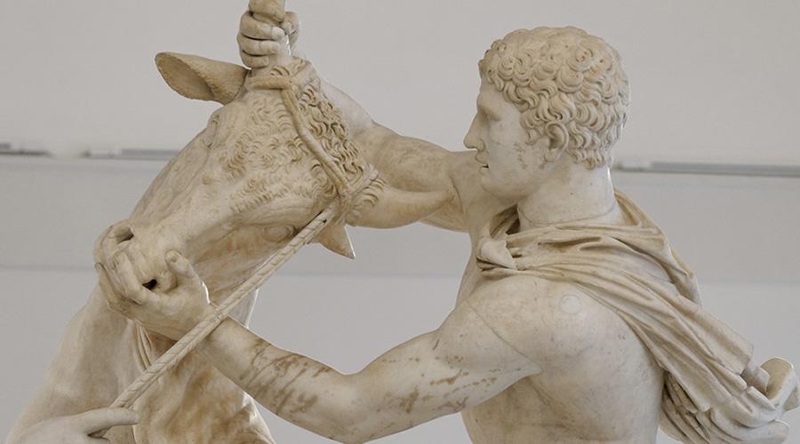 Toro Farnese al MANN di Napoli