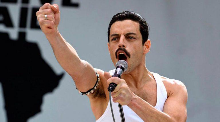 Rami Malek nel film Bohemian Rhapsody