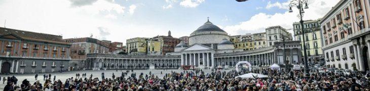 Befana a Napoli in Piazza Plebiscito