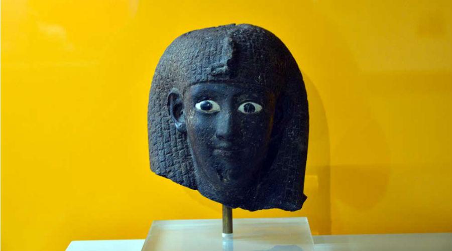 Maschera al Museo Archeologico Nazionale di Napoli
