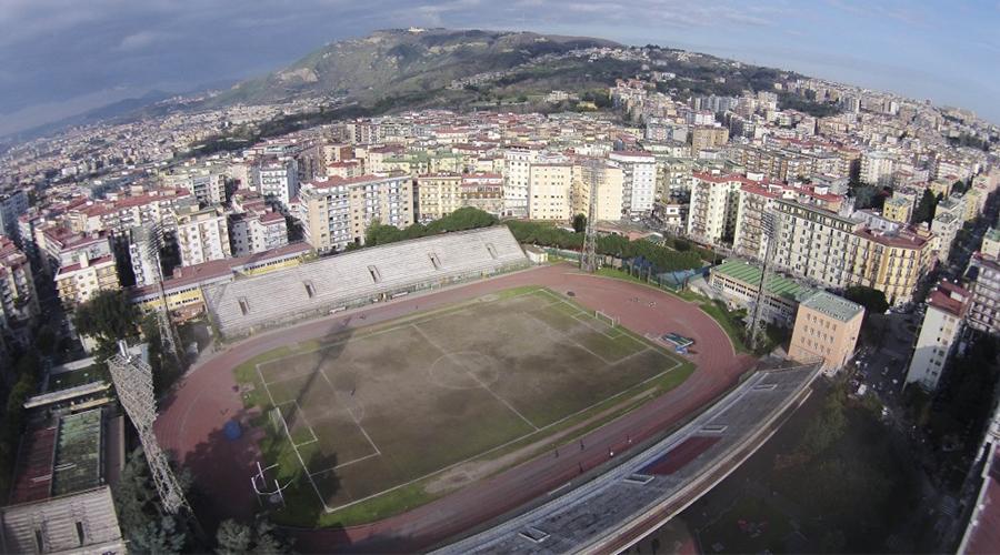 Halskette Stadion in Neapel