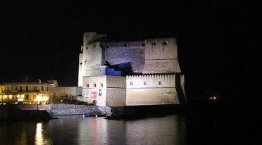 Castel dell'Ovo le soir