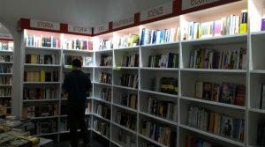 locandina di Book and Bed a Napoli, al Vomero la prima libreria con i letti