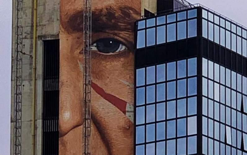 murale di patrizio oliva al Direzionale