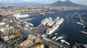 locandina di Porto Aperto 2019 a Napoli: il programma degli eventi gratuiti