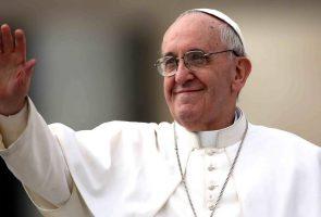 Papst Bergoglio in Neapel