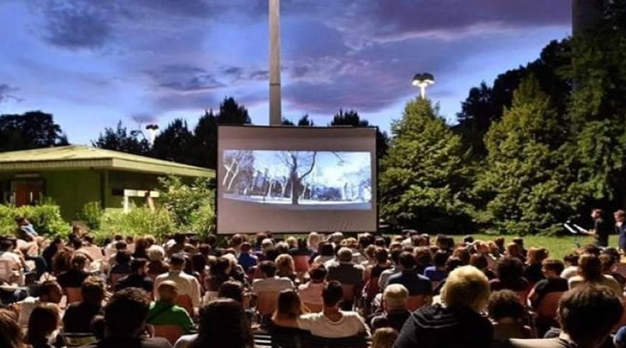 locandina di Alla ex base Nato di Bagnoli a Napoli cinema, concerti, teatro e mercatino per l'estate 2019