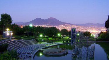 Kino im Parco del Poggio in Neapel