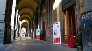 Affiche Napulitanata à la Galleria Principe di Napoli: danse avec la chanson napolitaine
