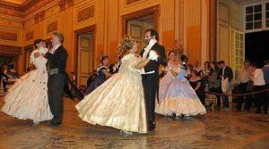 locandina di Gran Ballo Ottocentesco al Maschio Angioino di Napoli ad ingresso gratuito