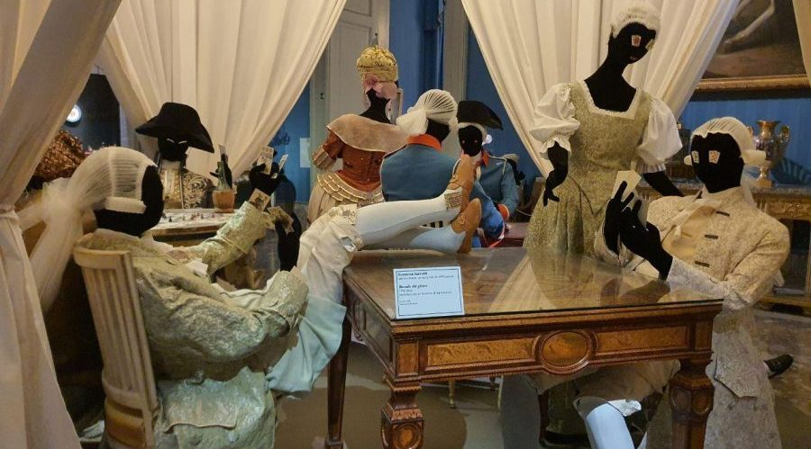 Neapel Lava und Porzellan Ausstellung