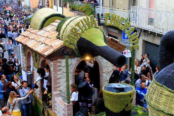 ソロパカのブドウ祭り