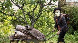 locandina di Fiabe d'Autunno 2019 all'Orto Botanico di Napoli con famosi racconti per bambini