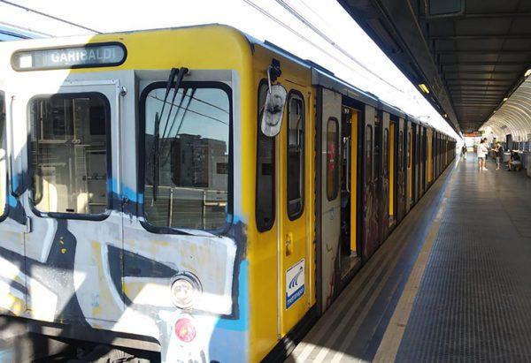 línea de metro 1 en Nápoles