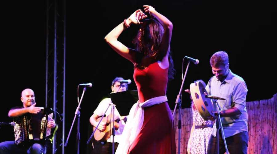 Tänze der ethnischen Musik