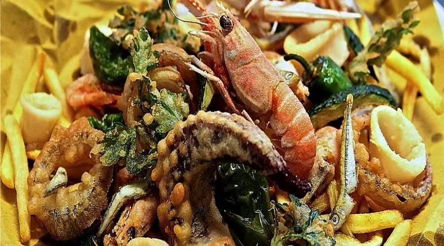 Piatto di pasta e pesce
