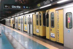 ligne de métro 1 Dante station à Naples