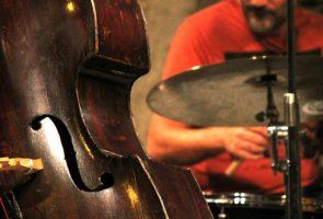 الآلات الموسيقية الجاز