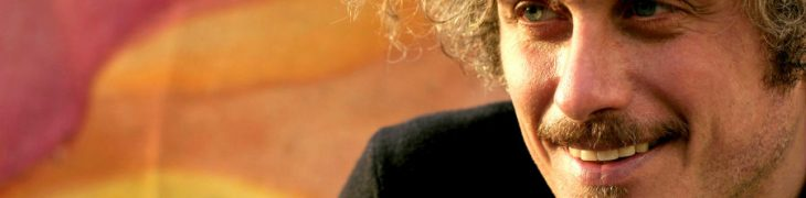 المغني وكاتب الاغاني نيكولو فابي