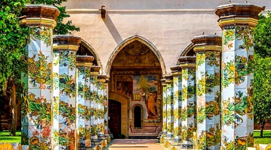 Kreuzgang von Santa Chiara