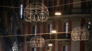 Luci d'artista a Napoli, la maschera di Pulcinella